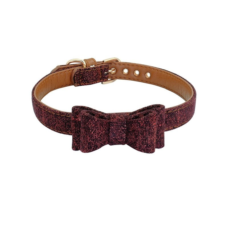 Collier chien avec noeud papillon rouge